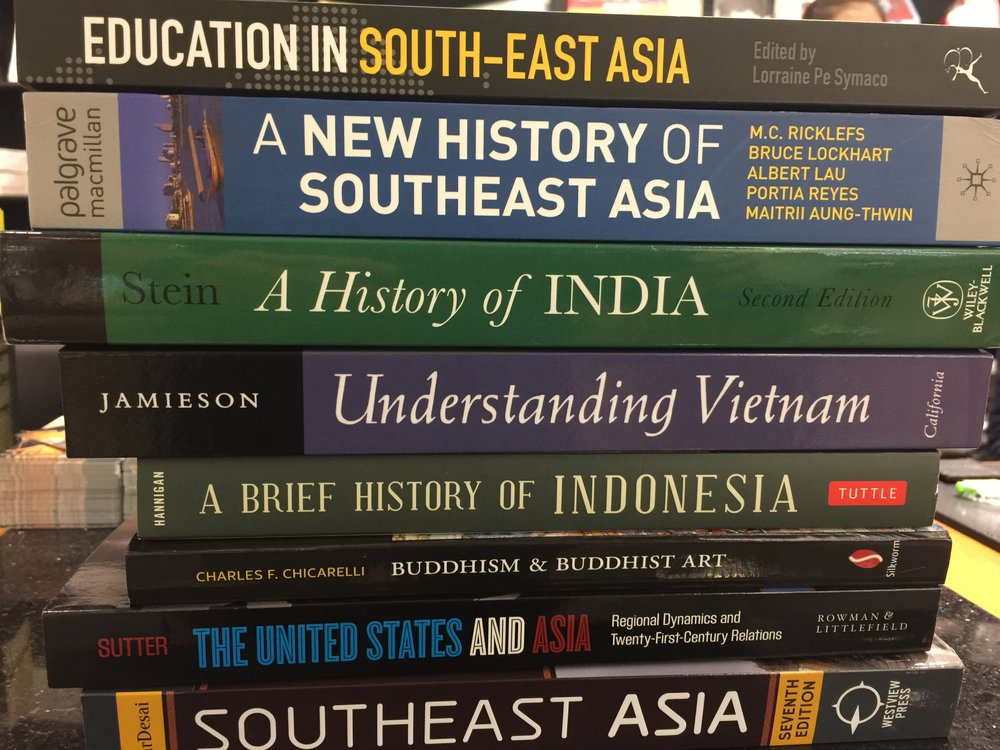 Beefing up my collection of Asia books at Kinokuniya in Siam Paragon