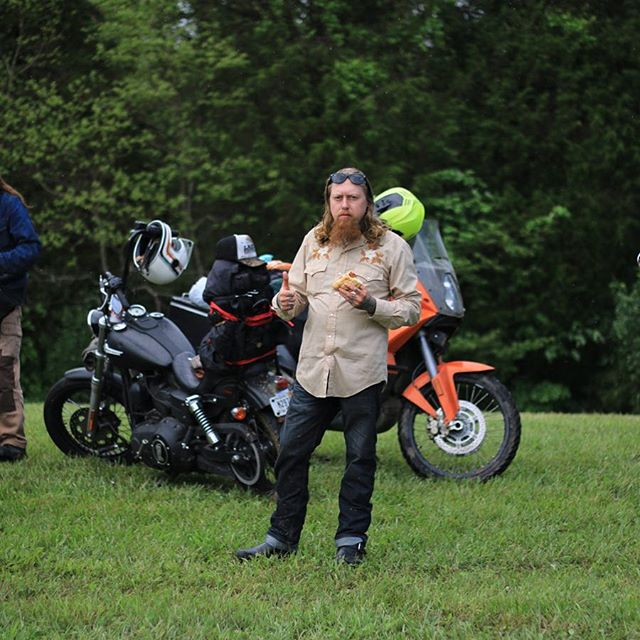 Got greasy @thegreasydozen , I wasn't mad, just wet and hungry, good hangs with old and new friends 📷: @motocollab #harleydavidson #thegreasydozen #glamping #greasydozenrun