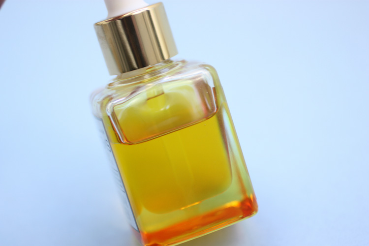 Sweet golden deliciousness... Sunday Riley Artemis Face Oil
