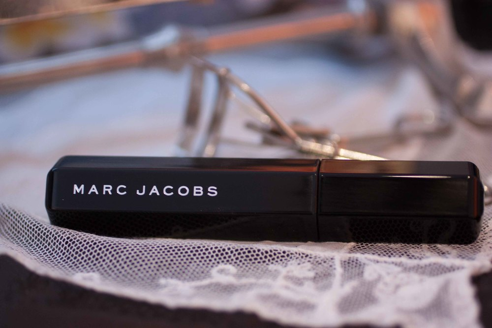marc jacobs velvet noir volume