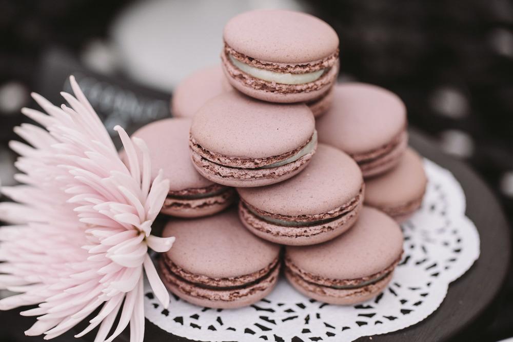 lavender macaron wedding photo