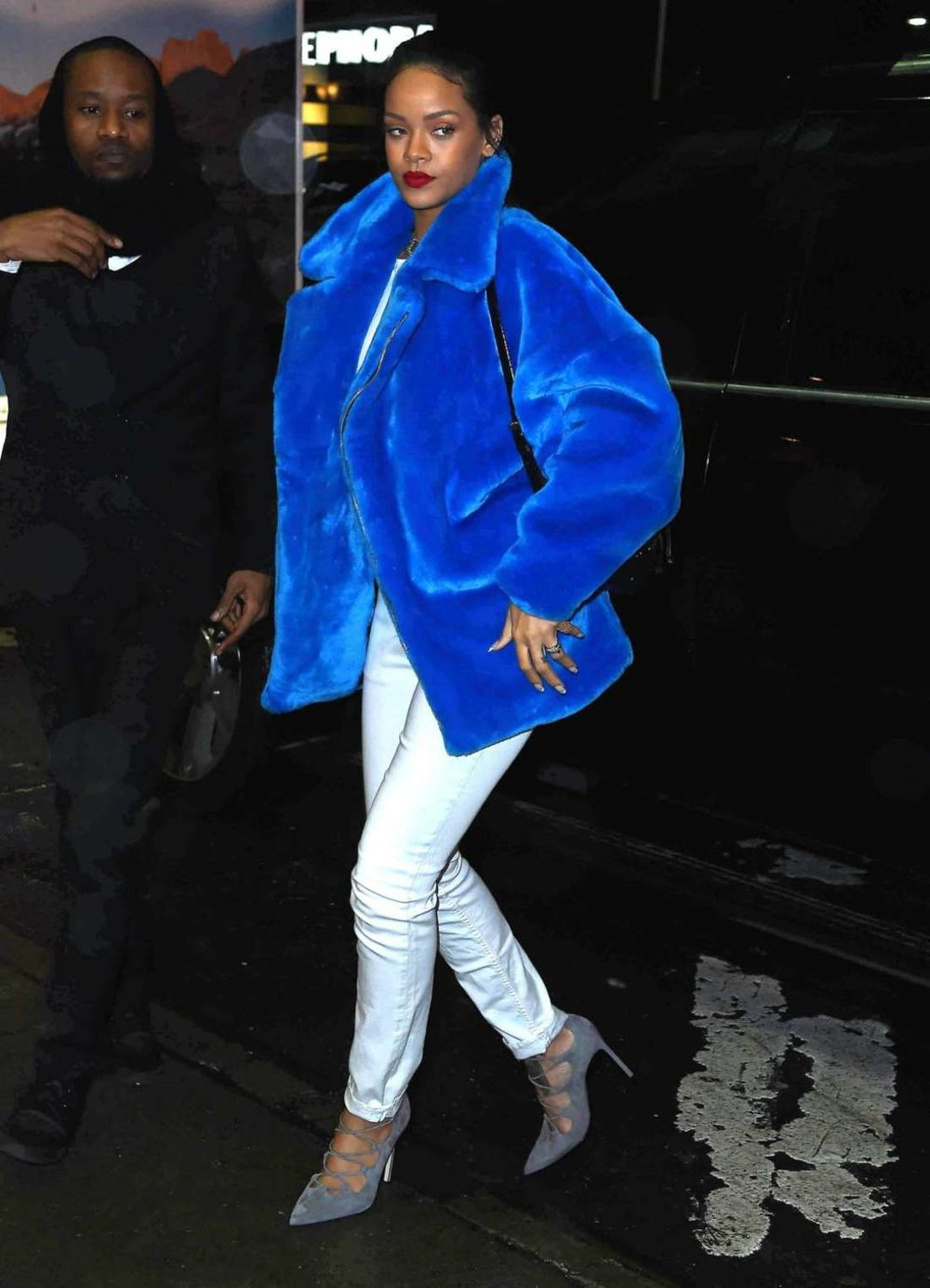 Rihanna-in-Blue-Winter-Coat--04.jpg