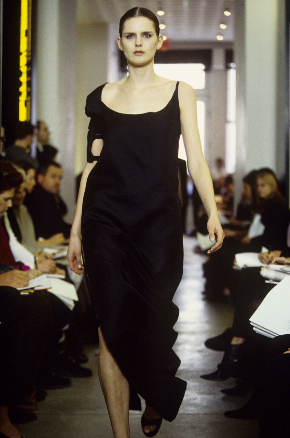 04-sally-helmut-lang-fall-1999-1.jpg