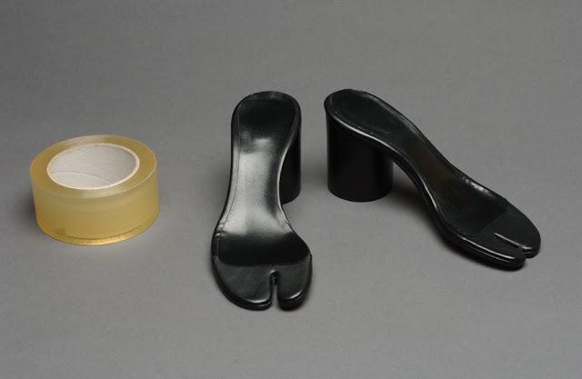 Maison Martin Margiela - S_S 1996 - Tabi sandal.jpg