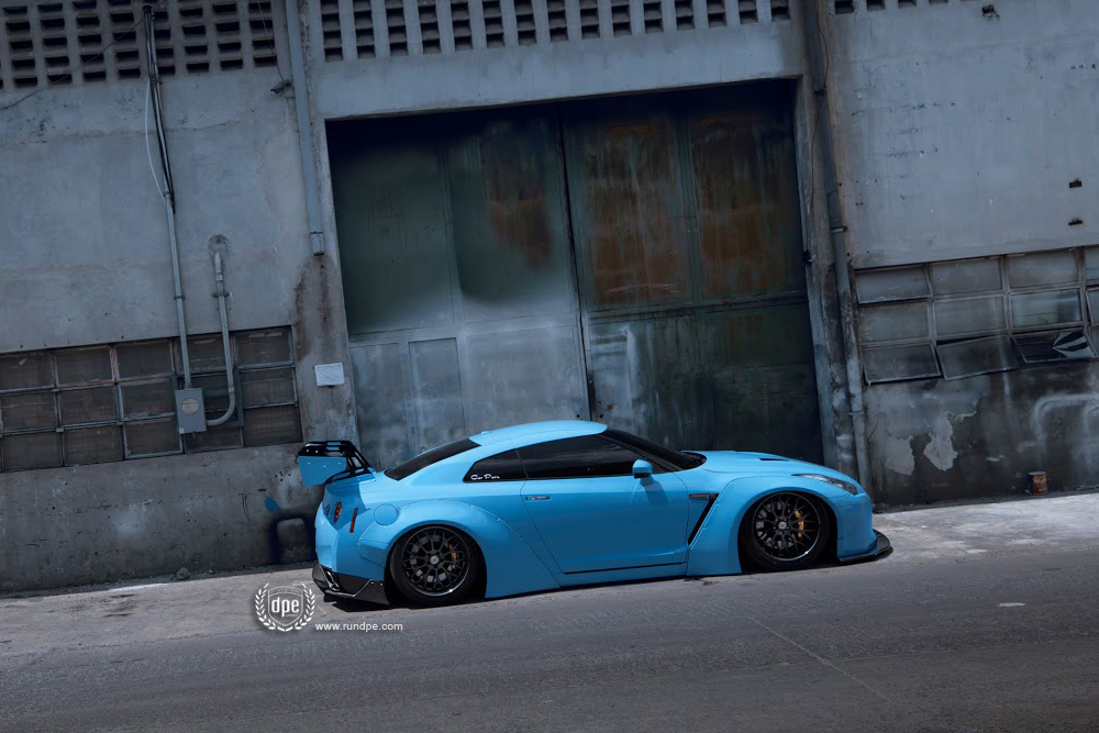DPEWheels_GTR_CS20_LibertyWalk_b.jpg