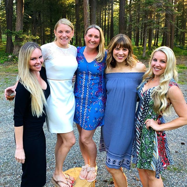 These Girls! 💙 Love you forever! #SydneGotMorMan #RehearsalDinner #InTheWoods