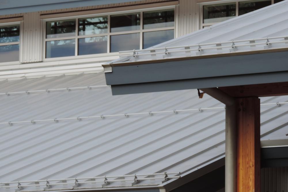 com-roofing.jpg