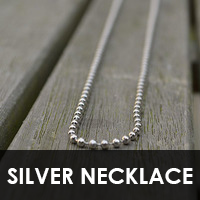 textsilvernecklace.png