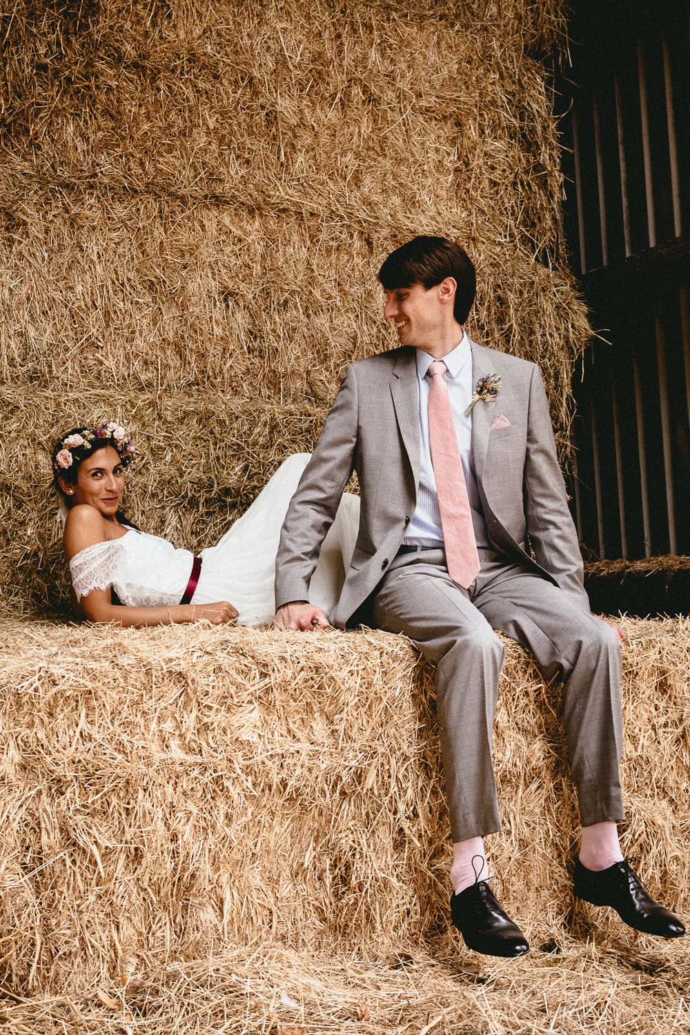 Haystack Couple Photo | Berkshire Wedding Planner