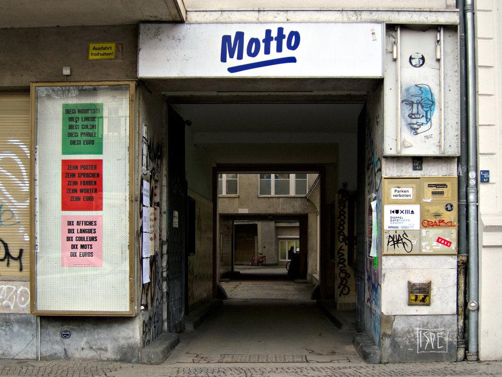 berlin-paris_jonathan_monk_motto_00531.jpg