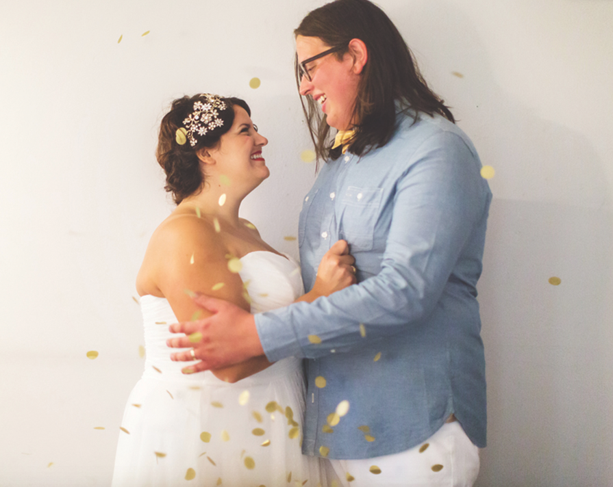 Sara Long Photography couple showered in gold confetti