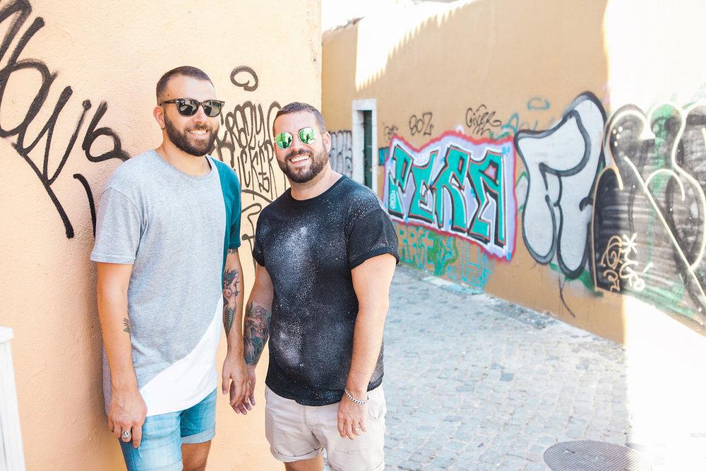 Priscilla De Castro Photography couple by graffiti wall