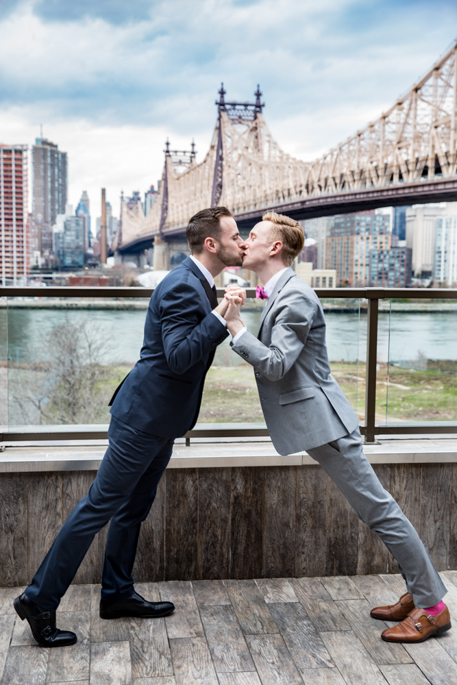 Justin McCallum Wedding Photography New York leaning far for kiss