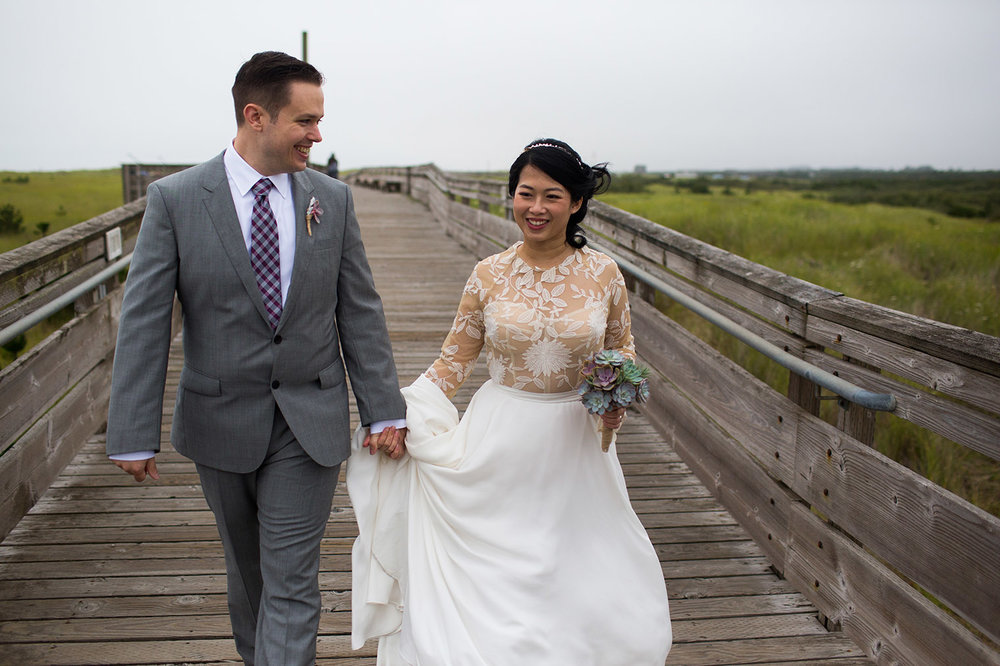Ederlyn and Geoff Wedding - beach ceremony - Photo by Dustin Cantrell