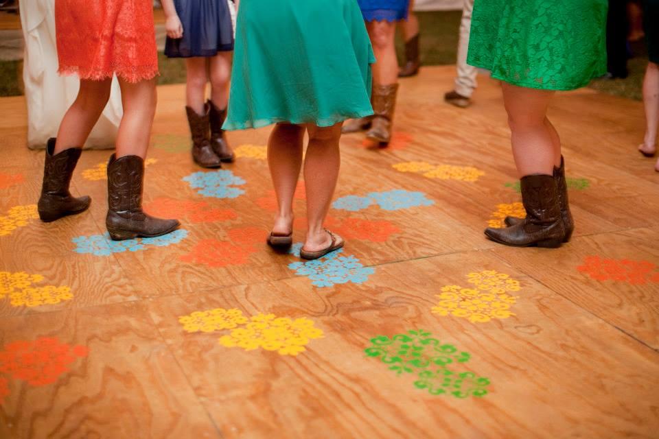 Freebird Imagery guests dancing on homemade dance floor