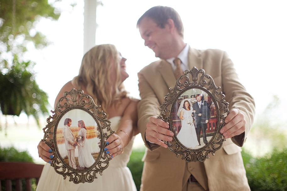 Wedding frames, used to display the couple's parents on their wedding day.