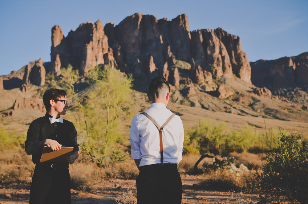 LGBTQ desert wedding in Phoenix Arizona by Photo De Urban