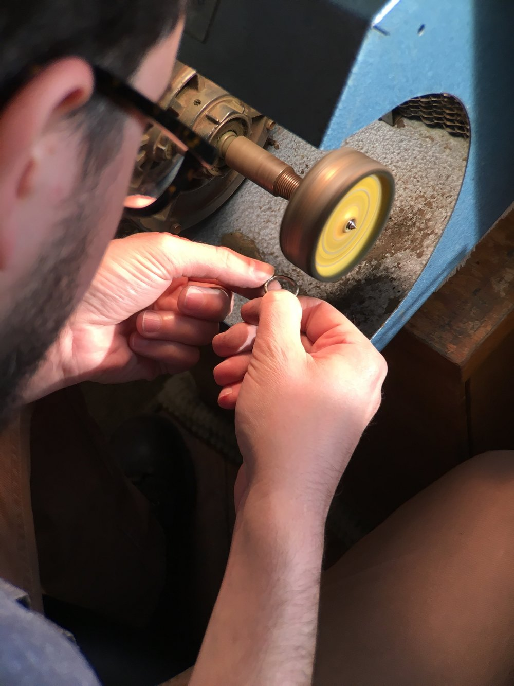 Make your own wedding rings with The Wedding Ring Experience in New York City Written by Emelie Samuelson of the Awkwardly Alive Blog