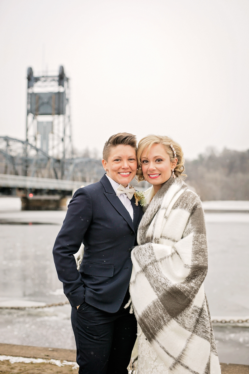 winter wedding portraits with a blanket