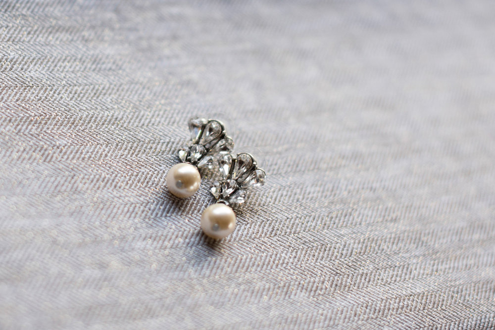 vintage style pearl earrings