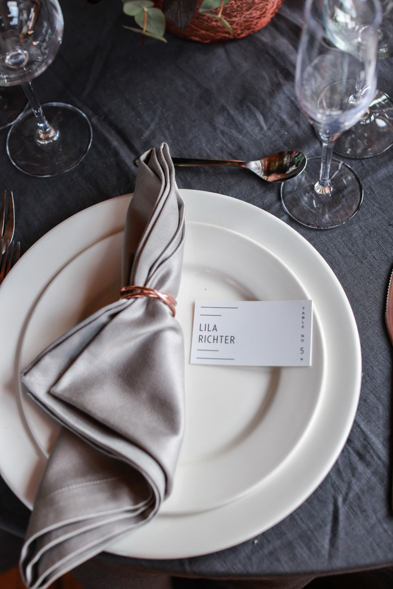 table decor, coordinated by Modern Rebel & Co.