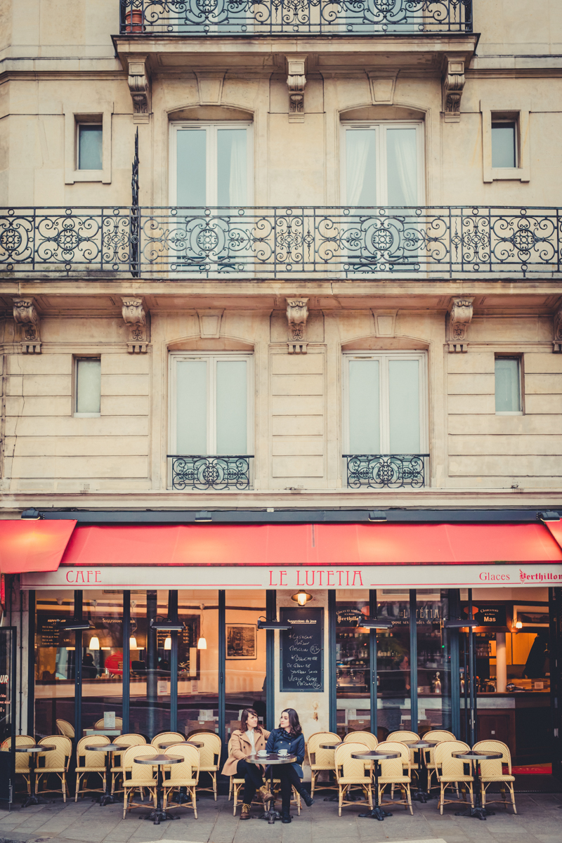 cafe in Paris engagement session