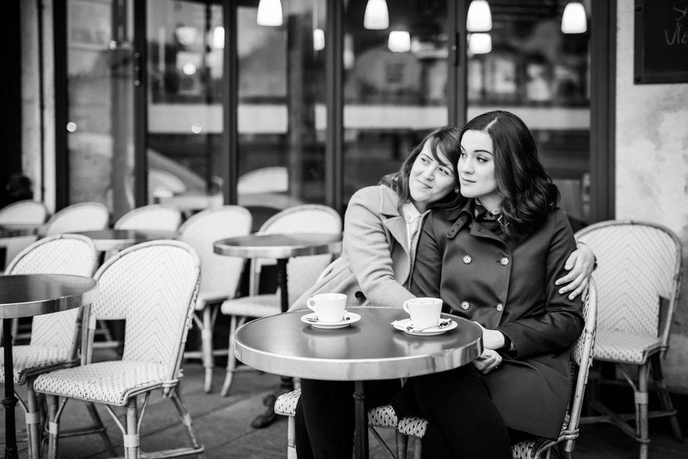 Lesbian engagement session in Paris
