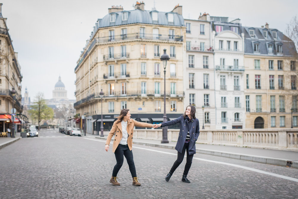 Engagement photos on the streets of Paris