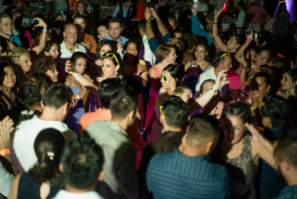 wild cancun wedding dance party