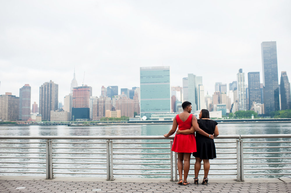 Engagement photos overlooking Manhattan