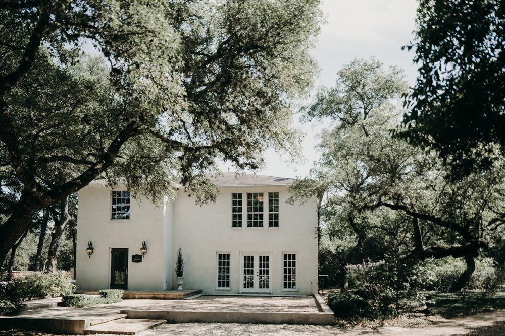 San Antonio Garden wedding outside of house