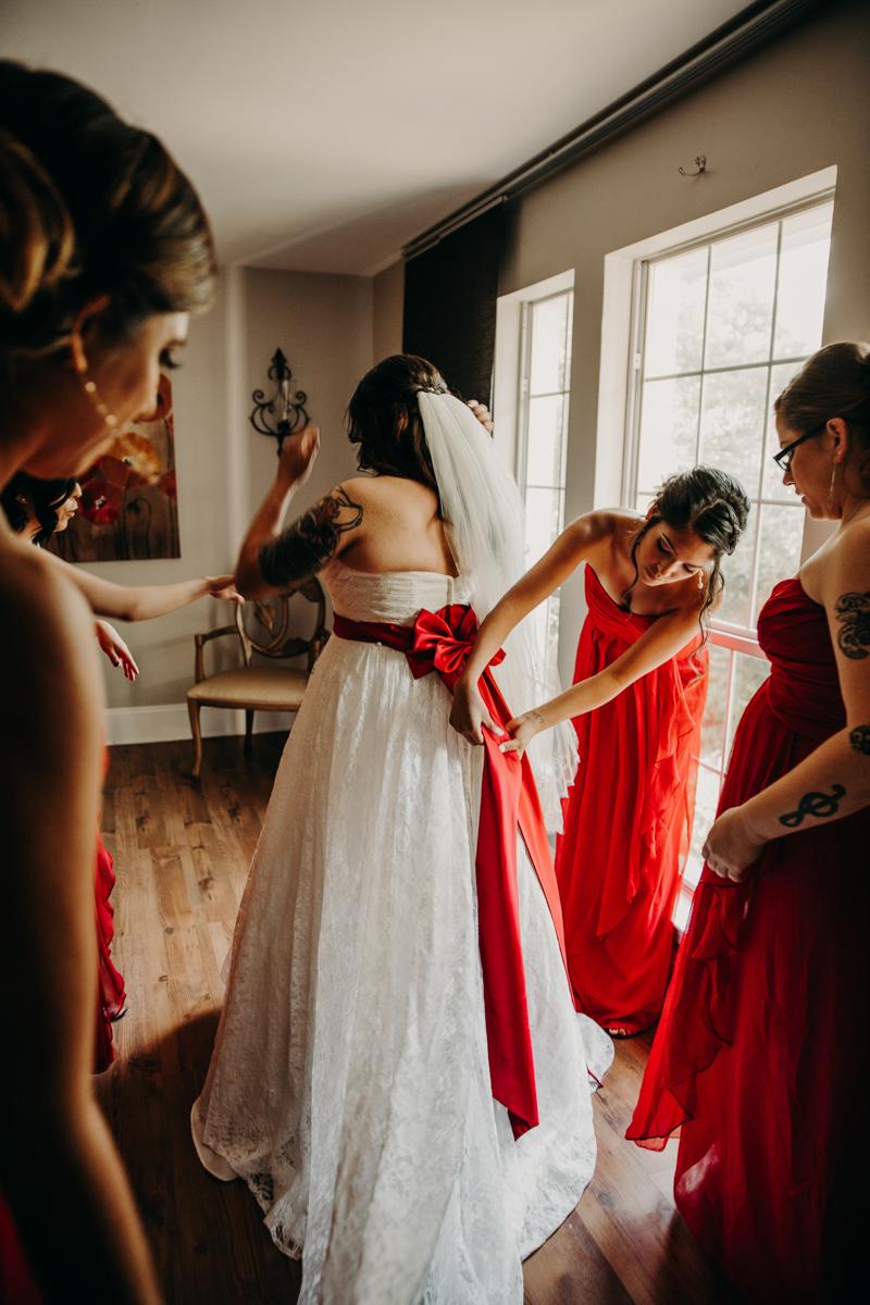 San antonio garden wedding bride getting ready