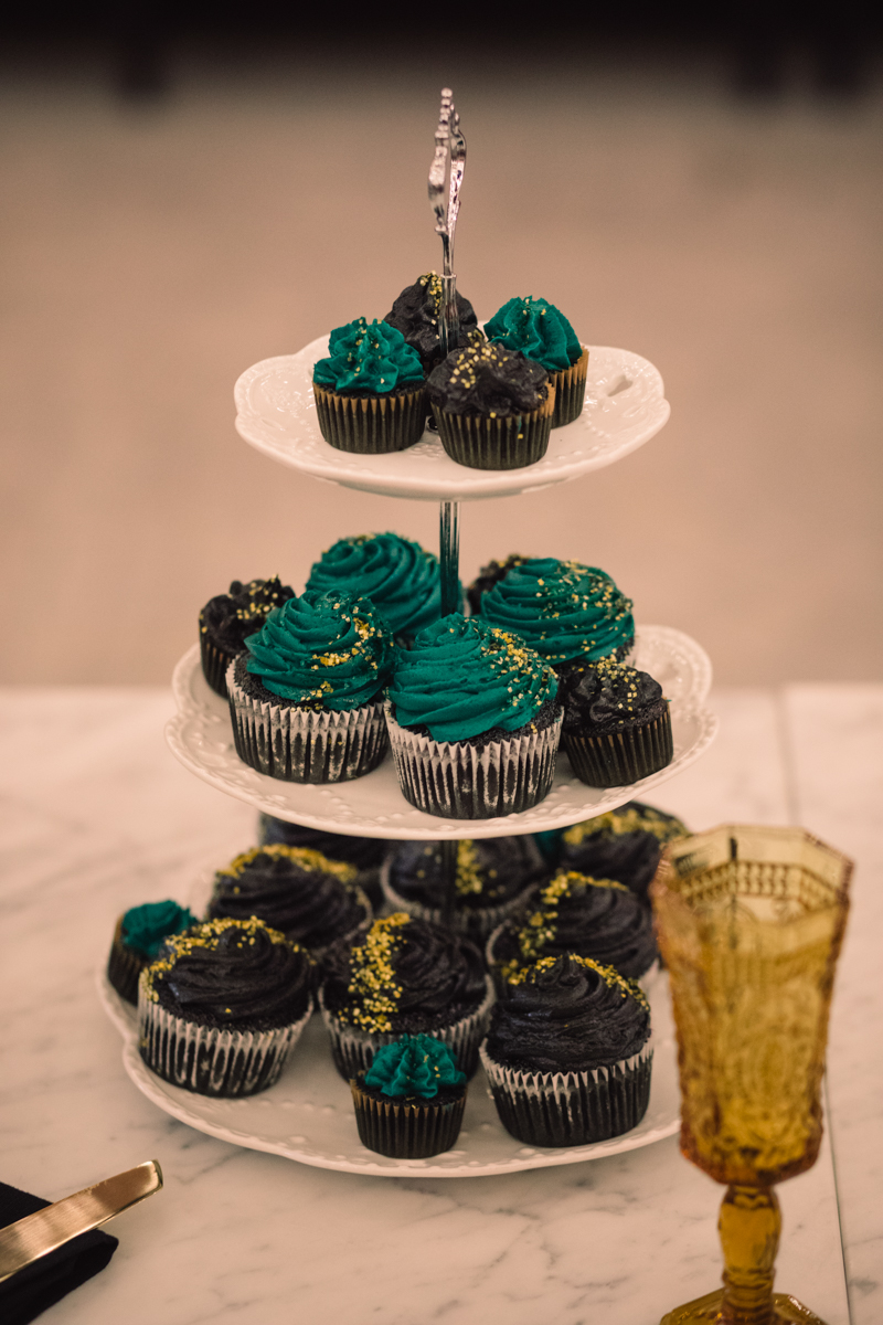 williamsburg hotel wedding shoot cupcakes on cake tower