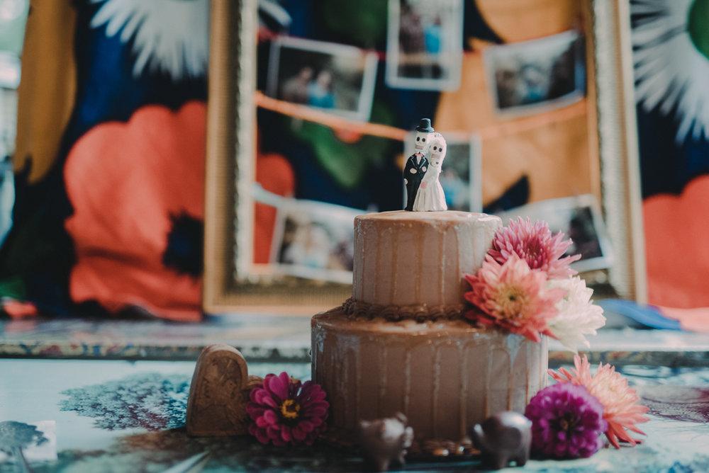 intimate, eclectic austin wedding wedding cake