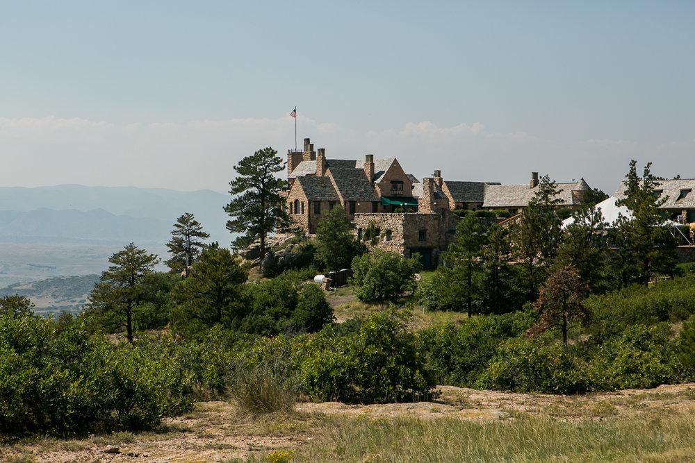 colorado castle wedding venue from a distance
