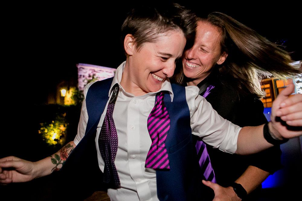 colorado castle wedding guests dancing