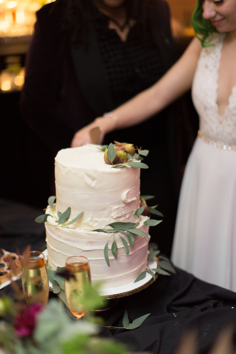 Saint augustine wedding cutting cake