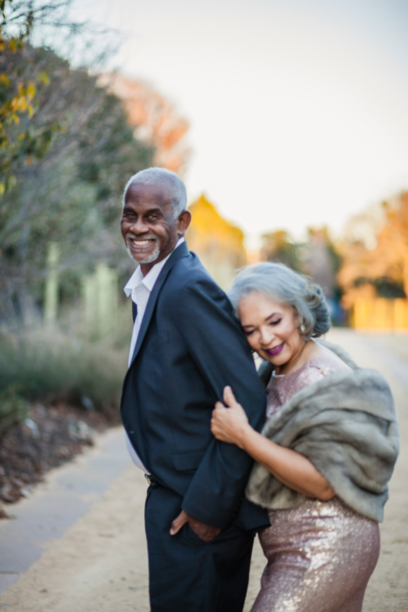 47 years of amazing photo shoot amber robinson wanda behind marvin with her head on his shoulder