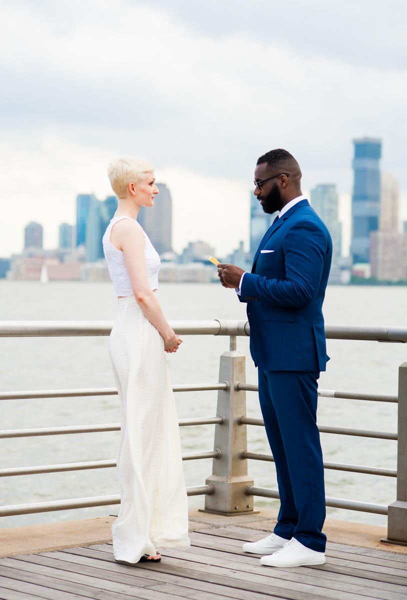 intimate new york elopement teddy reading vows