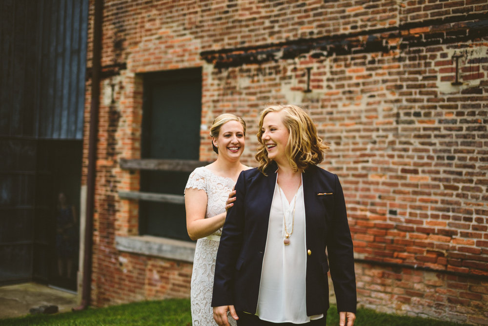 BALTIMORE WEDDING AT MOUNT WASHINGTON MILL DYE HOUSE FIRST LOOK