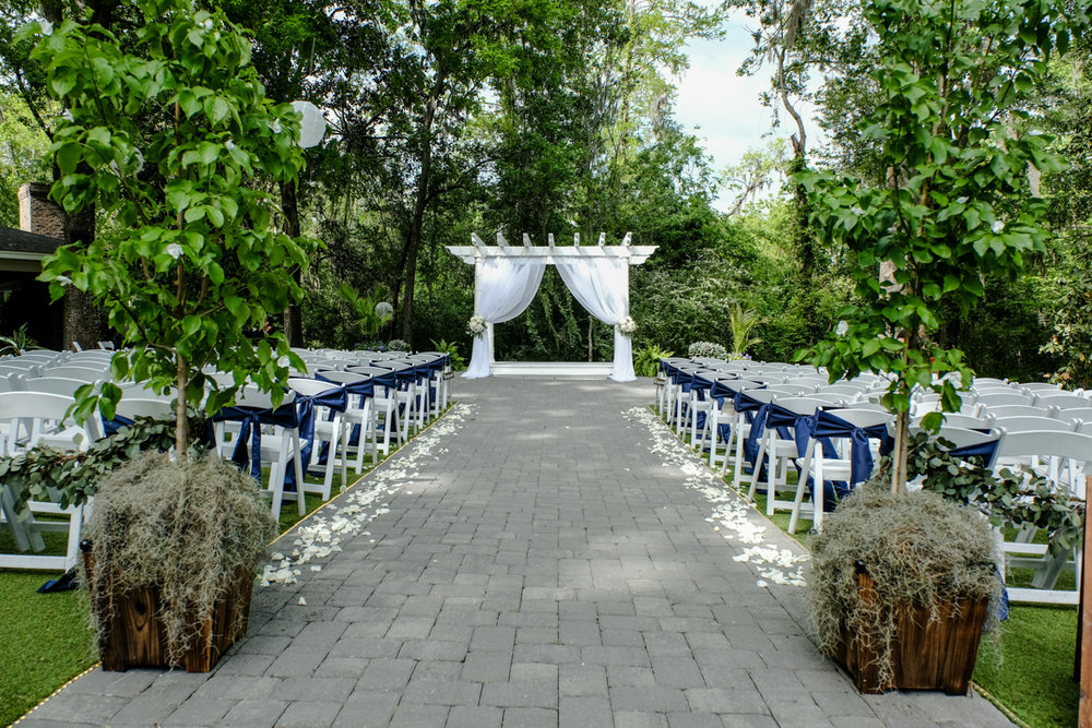 Classic southern style wedding savannah georgia empty chairs and altar before ceremony