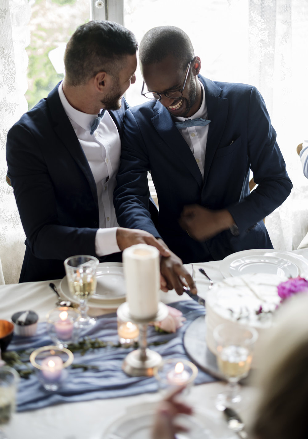 gay-wedding-speeches-groom-and-groom-at-the-wedding-dinner.jpg