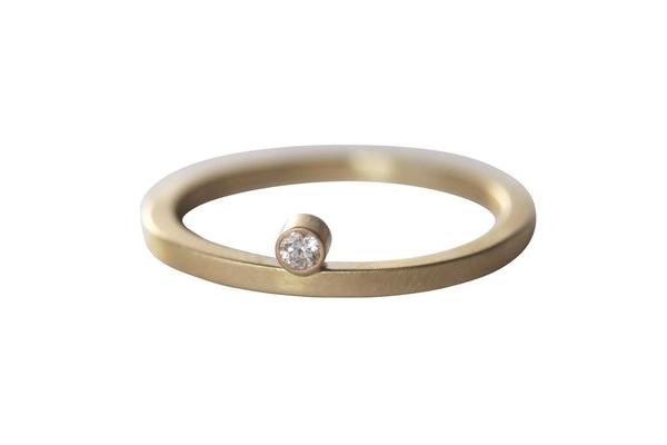 Cape Diamond Wedding Ring
