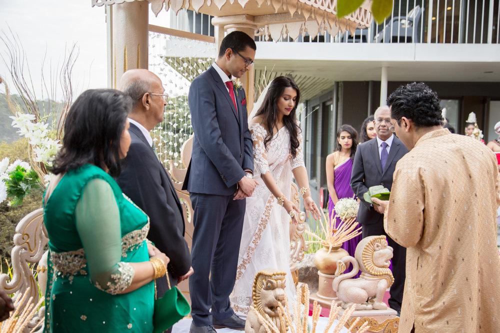 sri lankan wedding in sydney australia couple during ceremony