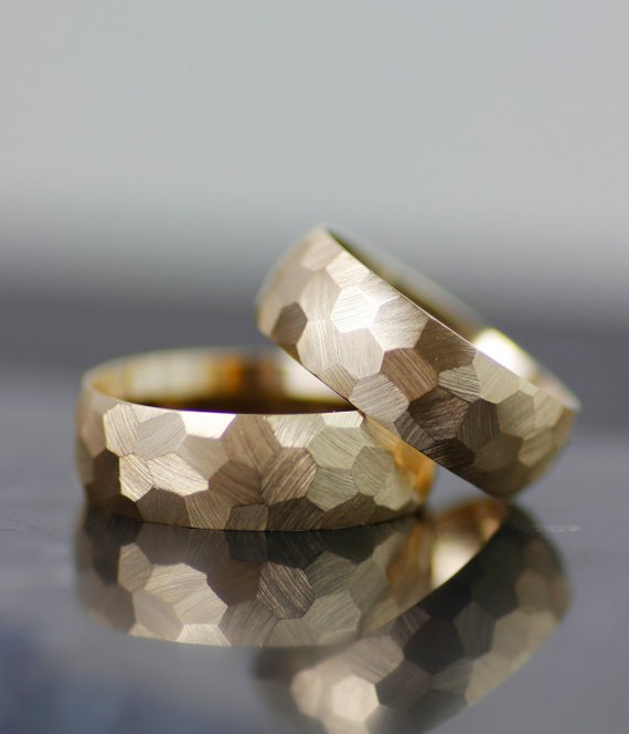 FACETED HONEYCOMB TEXTURE WEDDING BAND