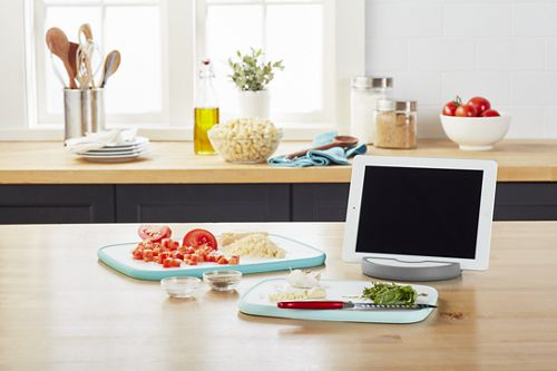 Round Electronic Device Holder and Cutting Board