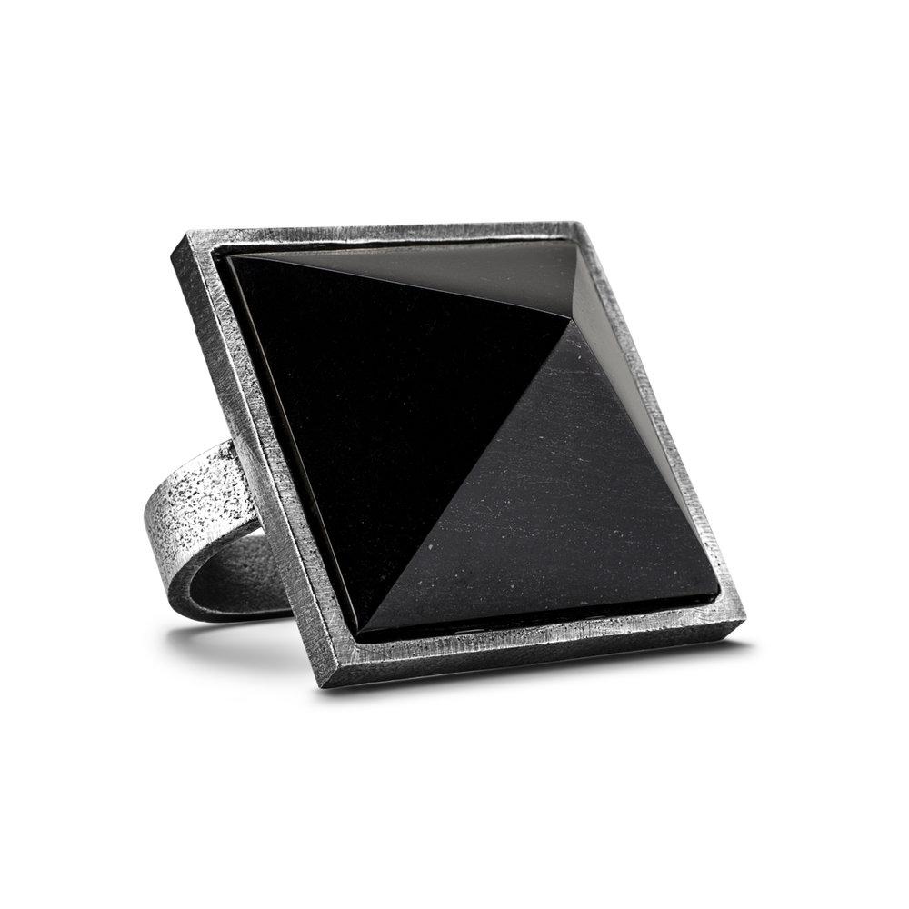 Pyramid-01.jpg
