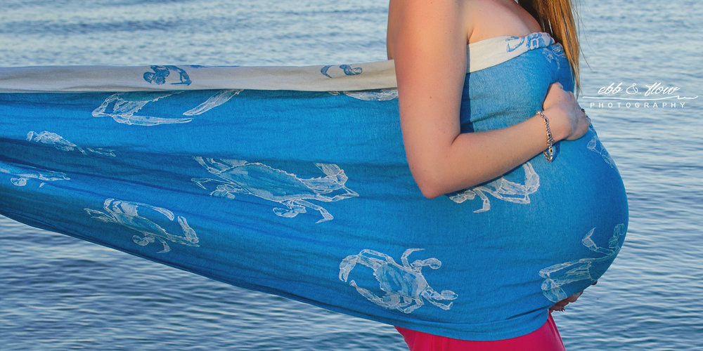 natibaby live crabs - maternity belly wrapping - ebb and flow photography