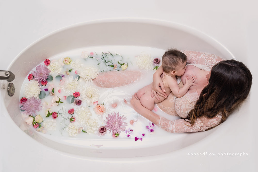 world breastfeeding week - breastfeeding portraits - ebb and flow photography