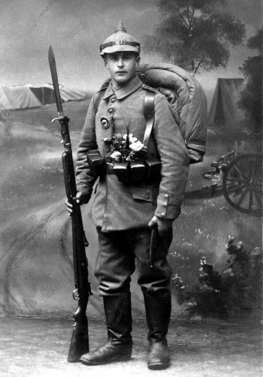 fd68c7d6f87fa46873b838d7fd01d1f6--german-soldier-army-soldier.jpg